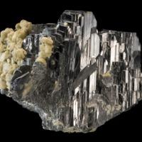 Amostra mineralógica da mina da panasqueira mostrando Volframite e siderite
