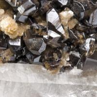 Amostra mineralógica da mina da panasqueira mostrando Muscovite e Cassiterite
